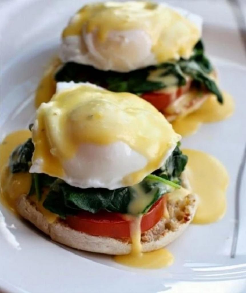 Мой завтрак всегда состоит из яиц: чтобы они не приелись, каждый день готовлю новое блюдо
