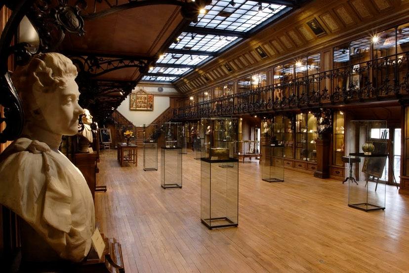 Когда мир откроется вновь: 10 необычных парижских музеев, которые очень редко включаются в программы туров