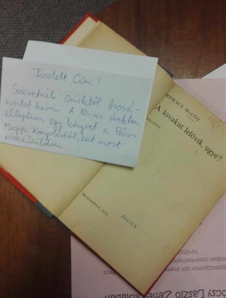 Лучше поздно, чем никогда: спустя 40 лет после кражи книги читатель отправил роман обратно в библиотеку (фото)