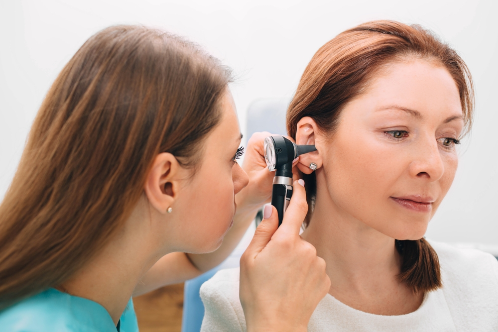"""""""Вообще не надо уши чистить"""": ЛОР-врач рассказала, с какими странностями она сталкивается на работе"""