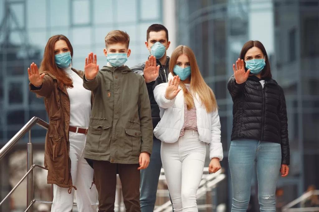 """""""Это ненужные жертвы"""": глава ВОЗ Тедрос Гебреисус заявил, что стратегия коллективного иммунитета к COVID-19 является неэтичной"""