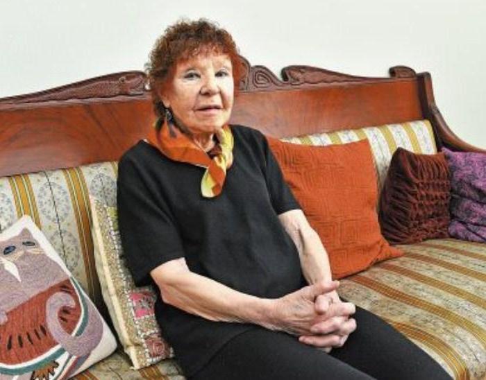 """""""Навещают только сын и внук"""". Как сейчас живет легендарная актриса Нина Ургант, которой в сентябре исполнился 91 год (фото)"""
