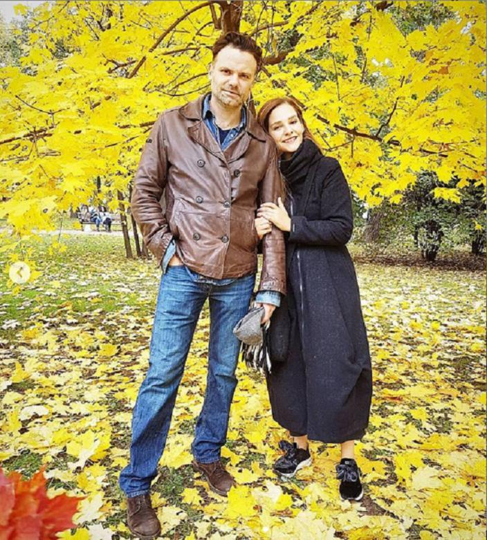 """""""Очень харизматичный"""": в день рождения мужа Глафира Тарханова показала его редкие фотографии"""
