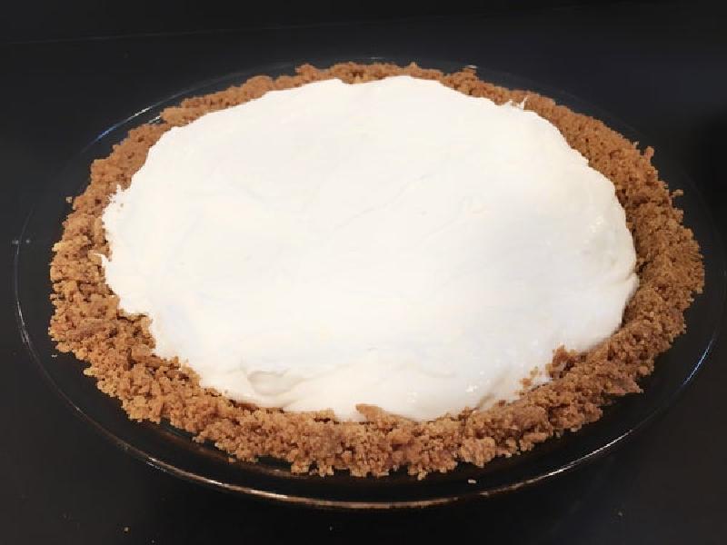 Нежный яблочный чизкейк с корочкой из крошек печенья: идеальное сочетание вкусов