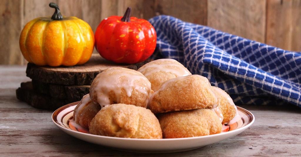 Тыквенные пончики с шоколадной начинкой: воздушное лакомство для поднятия настроения