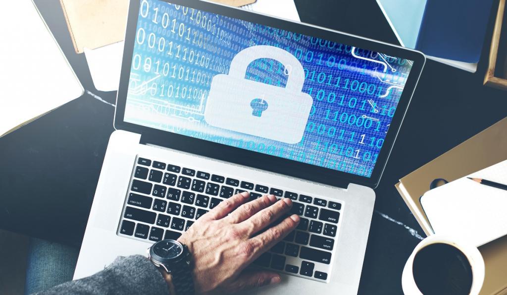 Гражданским лицам - до 100 тысяч: многомиллионные штрафы ждут сайты РФ за отказ удалять запрещенную информацию