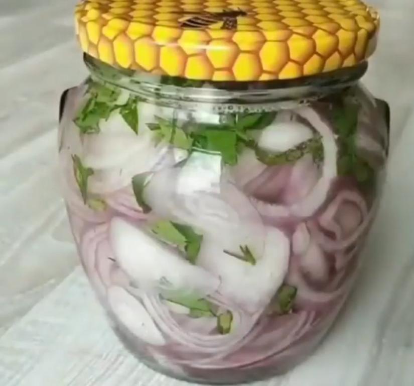 С вареной картошечкой и малосольной селедочкой – идеальное сочетание: мариную витаминный овощ и подаю к ужинам в холодное время года