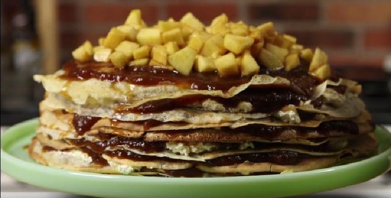 Блинный торт с корицей и яблоками: готовлю чуть ли не каждый день