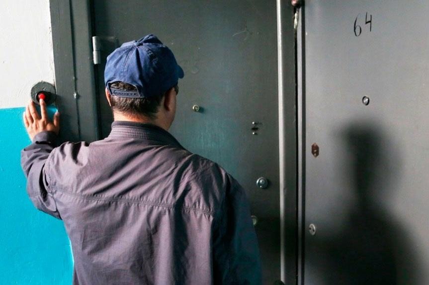 Россиян предупредили о новых уловках мошенников: они предлагают погасить долги по ЖКХ со скидкой