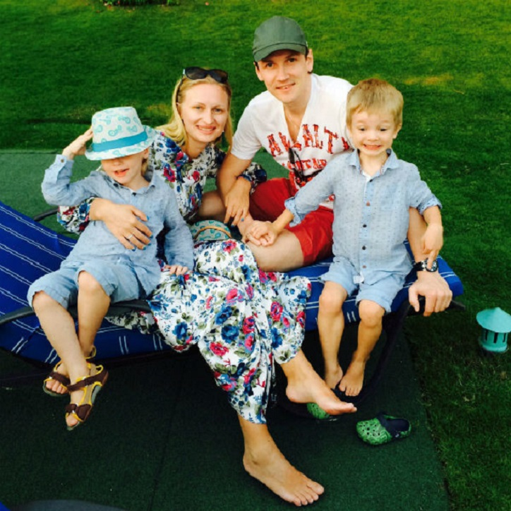 «Нам уже 10»: Вячеслав Мясников поделился новой фотографией своих подросших сыновей-двойняшек Константина и Максима