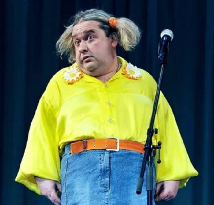 """При росте 1,64 м весил 140 кг: весельчак из """"Кривого зеркала"""" сбросил 40 кг, и это не предел. Как сейчас выглядит Александр Морозов (фото)"""