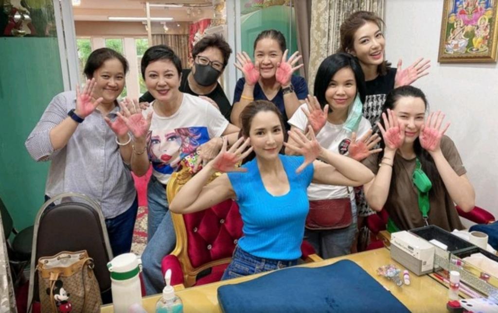 Татуировка на ладони меняет судьбу: в одном тайском салоне тату уверены в этом