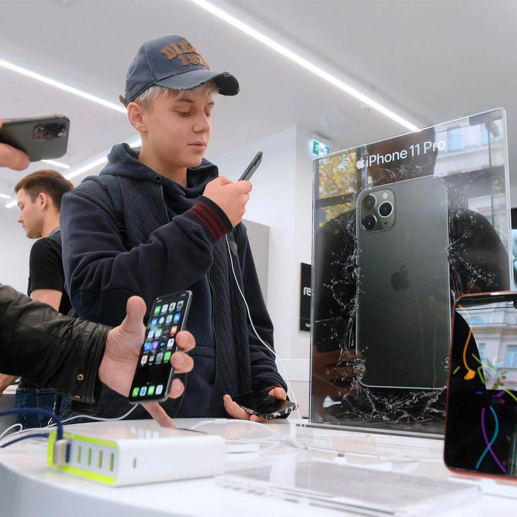 На целых 10 тысяч рублей: Apple подняла цены на устройства в России