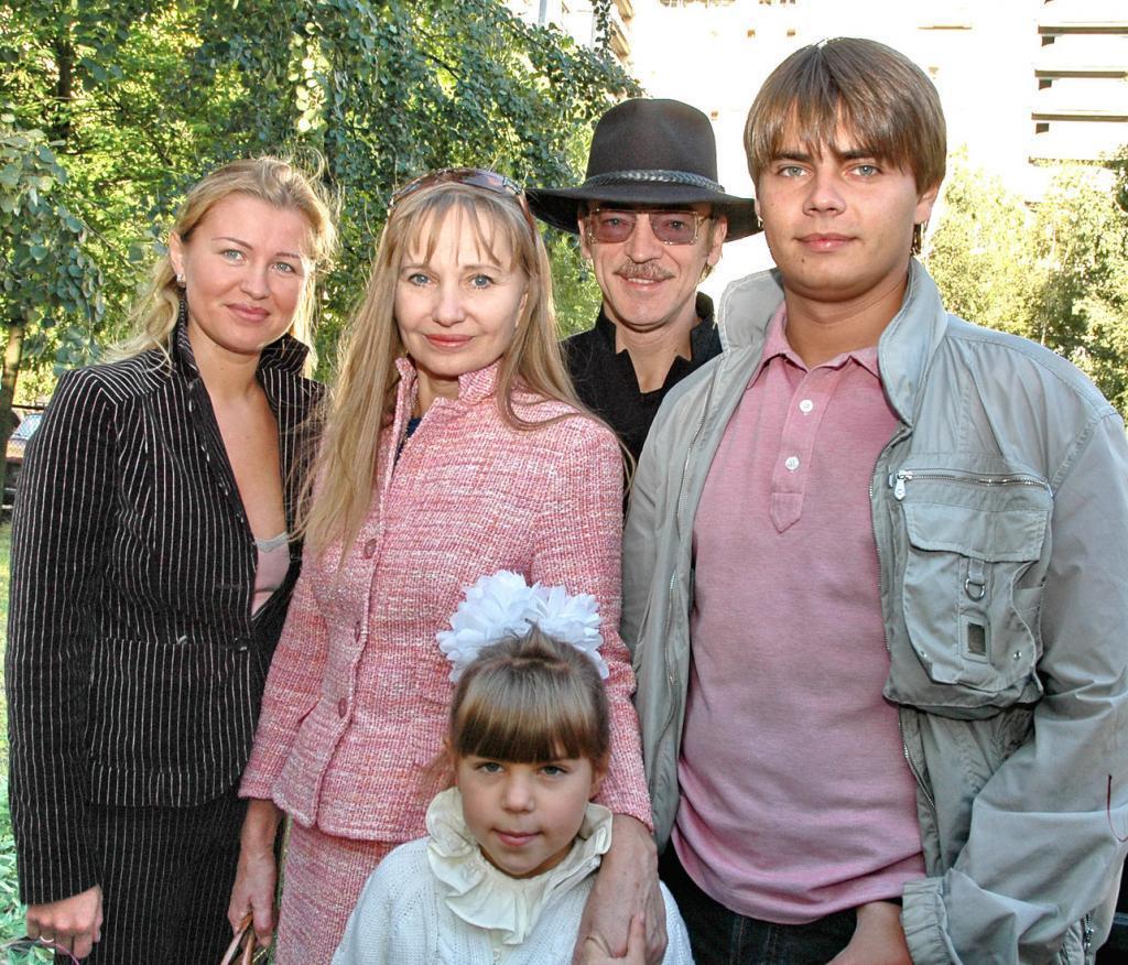 """""""Пусть семья будет дома"""": Боярский признался, почему желает уйти на карантин во второй раз"""