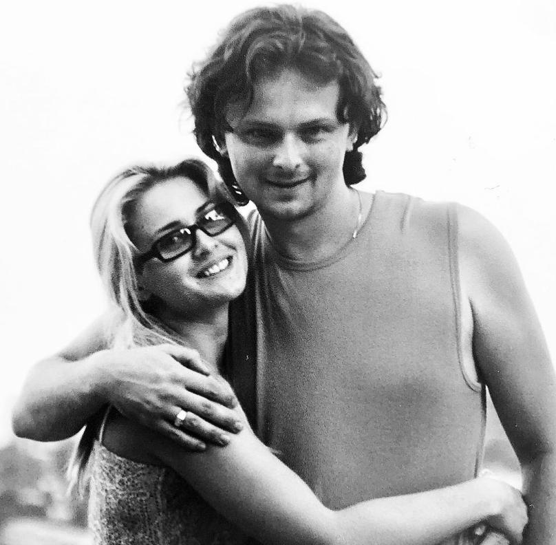 """""""Так и продолжайте. Самая красивая пара"""": сын Софии Ротару показал архивное фото с супругой"""