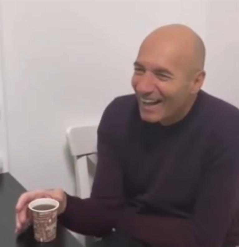 Игорь Крутой поделился кадрами с подготовки к съемкам выпуска шоу «Привет, Андрей». Фанаты обратили внимание на сильное похудение