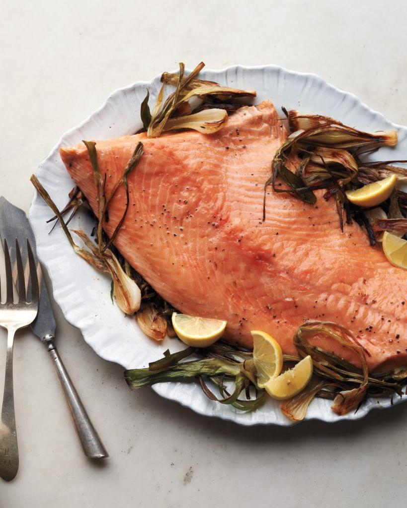 Готовим лосось с грибами и спаржей в пергаменте: блюдо станет королем вашего стола