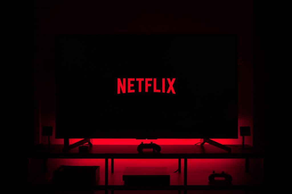 """Сервис Netflix """"заработал"""" на русском языке: доступна подписка в рублях и просмотр сериалов в озвучке"""
