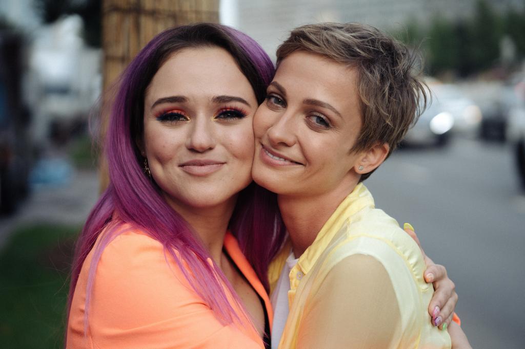 Актриса Полина Максимова признана лучше актрисой сериала в Каннах