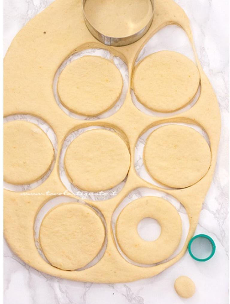 Le Graffe - изысканные неаполитанские пончики. Однажды я пробовала их в итальянском ресторане, а потом нашла рецепт точно таких же: делюсь им