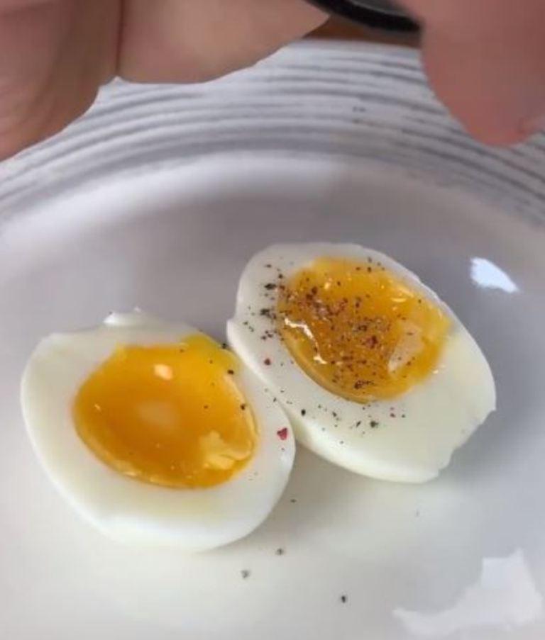 """""""Вкуснючее-простючее яйцо-шестиминутка"""": шеф-повар Леонов рассказал, как сварить идеальное яйцо вместо пашота"""