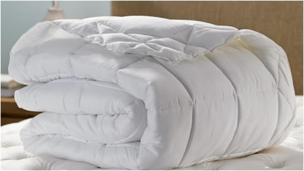 Под тяжелым одеялом засыпается в разы быстрее: неожиданные выводы эксперимента