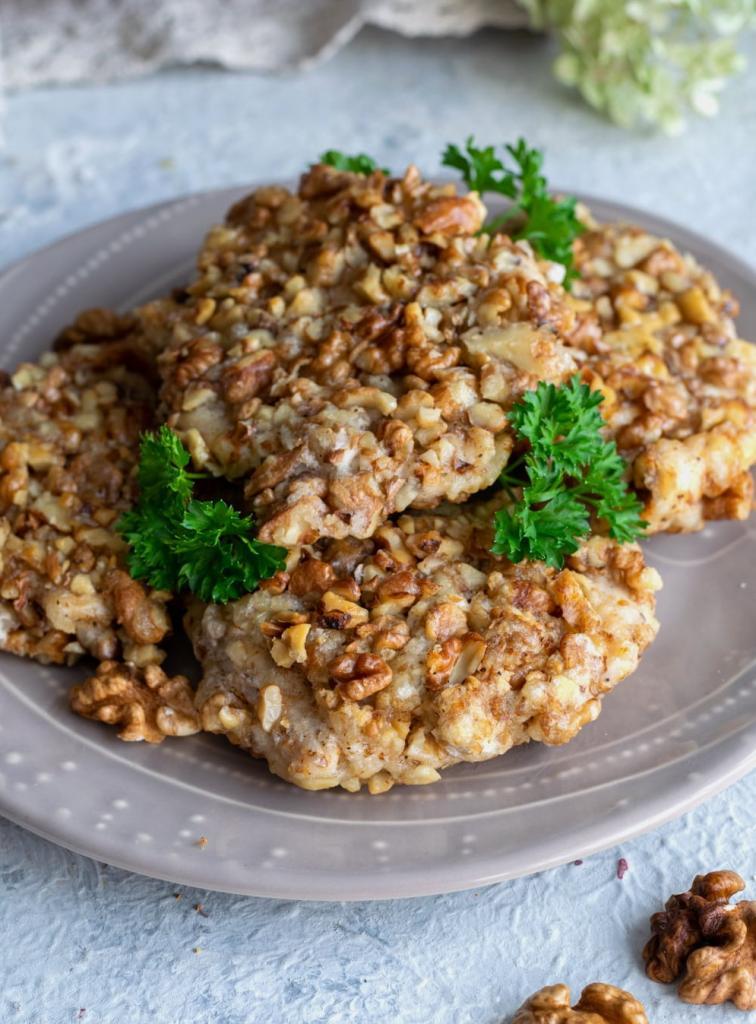 Вкуснее белого мяса ничего не ела: куриное филе в корочке из грецкого ореха