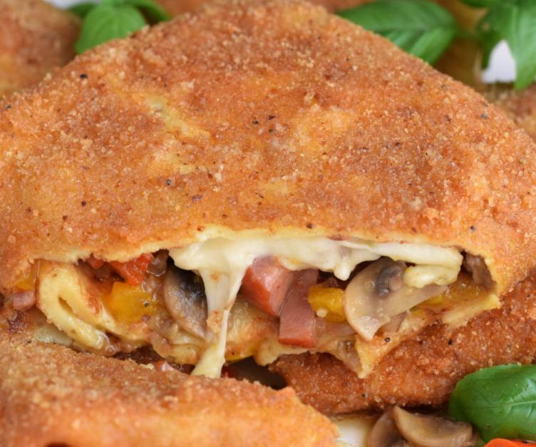 Если не смотреть, что ешь, от пиццы не отличишь: рецепт блинных конвертиков