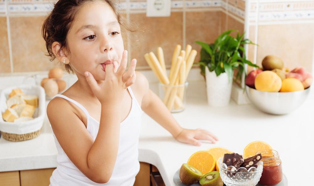 Больше перекусывают и меньше тренируются: исследование показало, как пандемия изменила наш образ жизни. Особенно уязвимы дети