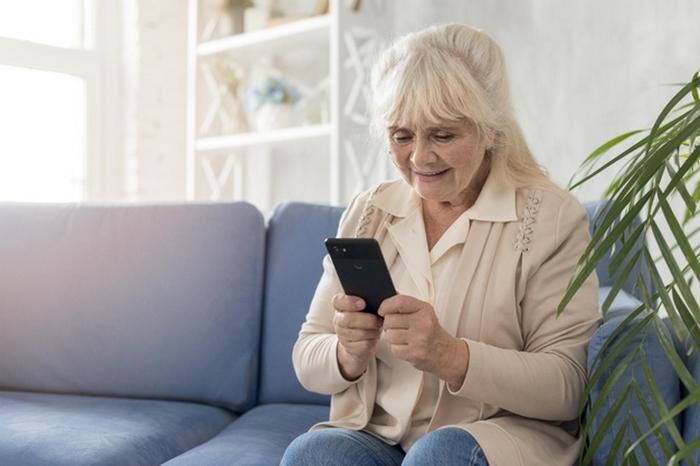 Я одолжил маме свой старый телефон, и она прочитала все мои текстовые сообщения за 3 года
