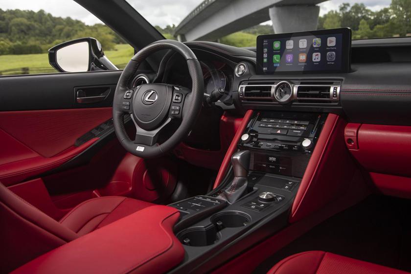 Эволюция в сторону внедорожников: Lexus прекратит продажи трех моделей в Европе