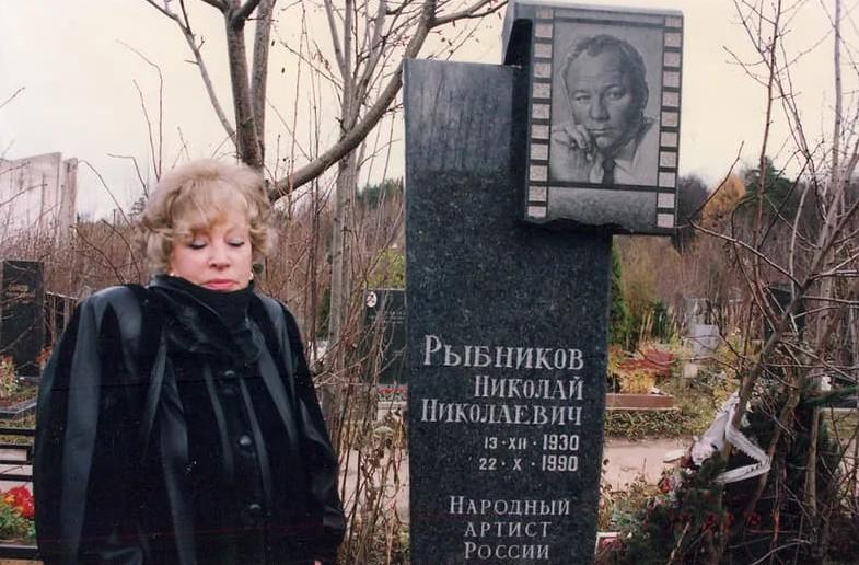 30 лет назад ушел из жизни Николай Рыбников. Несправедливость, преследовавшая актера в семейной жизни и профессии