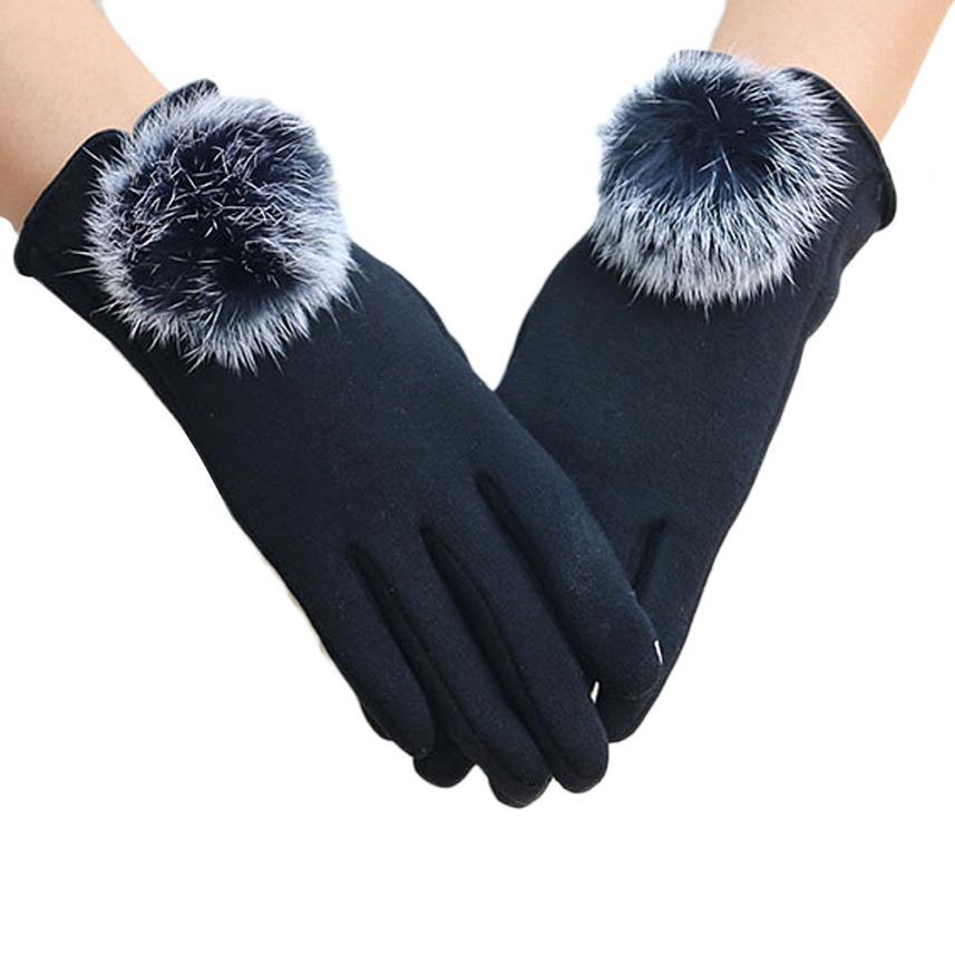 Вирусолог рассказал о пользе зимних перчаток в защите от COVID-19