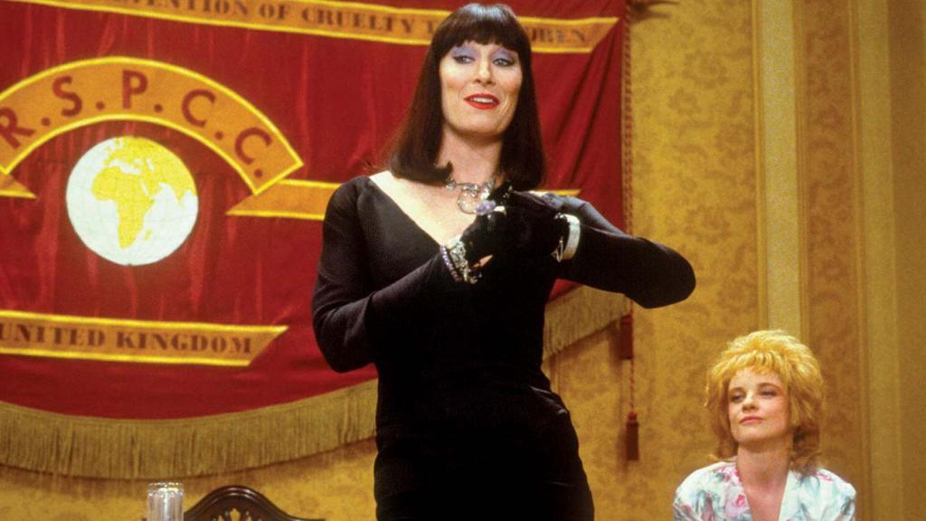 """В преддверии выхода ремейка """"Ведьм"""" вспоминаем оригинальную """"черную комедию"""" 1990 года: как Анжелика Хьюстон со своим шабашем пугала детей и замышляла превратить их в мышей"""