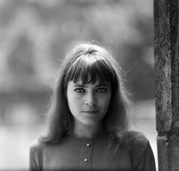 Ее прозвище Динамит не случайно: легенда эстрады Венгрии Кати Ковач была в молодости потрясающей красавицей