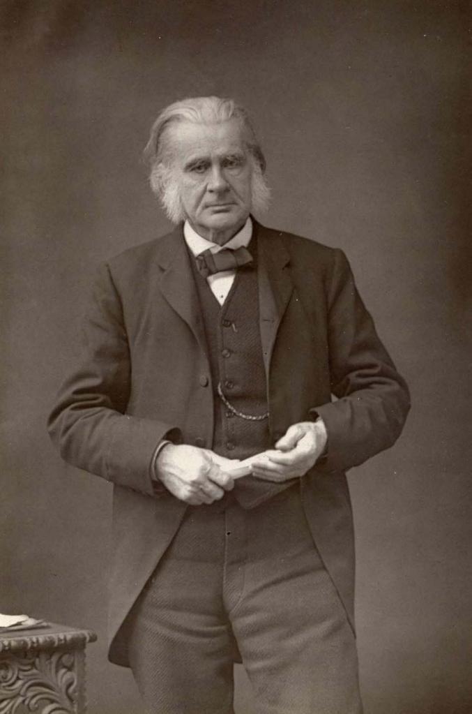 Князь Кропоткин искал подтверждение теории Дарвина, но пришел к выводу, что основа развития - доброта и взаимопомощь, а не конкуренция