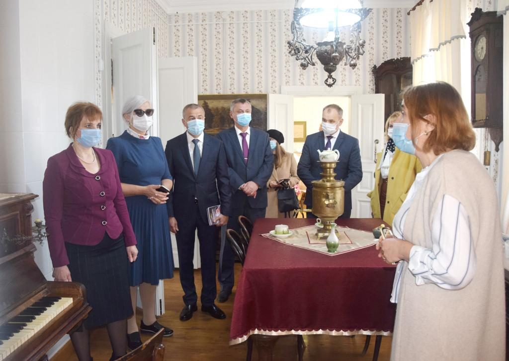 В честь 150-летия Ивана Бунина в Тульской области вновь открылся музей его имени: это единственный сохранившийся дом, в котором жил и работал писатель (фото)