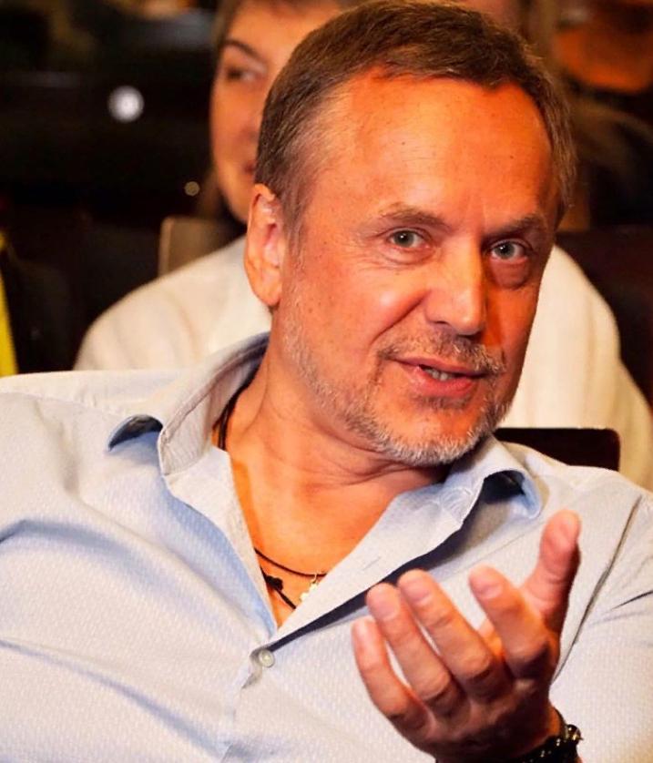 Красавец-актер Андрей Соколов пишет проникновенные стихи. Слушаем в исполнении автора (трогают до глубины души)