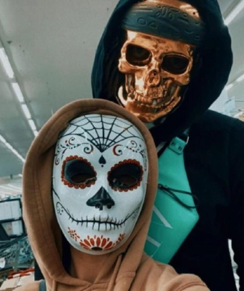 Образ мексиканского божества: певица Анна Седокова со своим мужем готовятся к Хэллоуину (фото)
