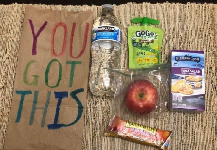 Ученик 5-го класса организовал акцию, цель которой - пожертвовать 100 тысяч обедов нуждающимся ко Дню благодарения