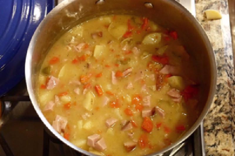 Недорогой чесночный картофельный суп на первое: для тех, кому надоело питаться одним борщом