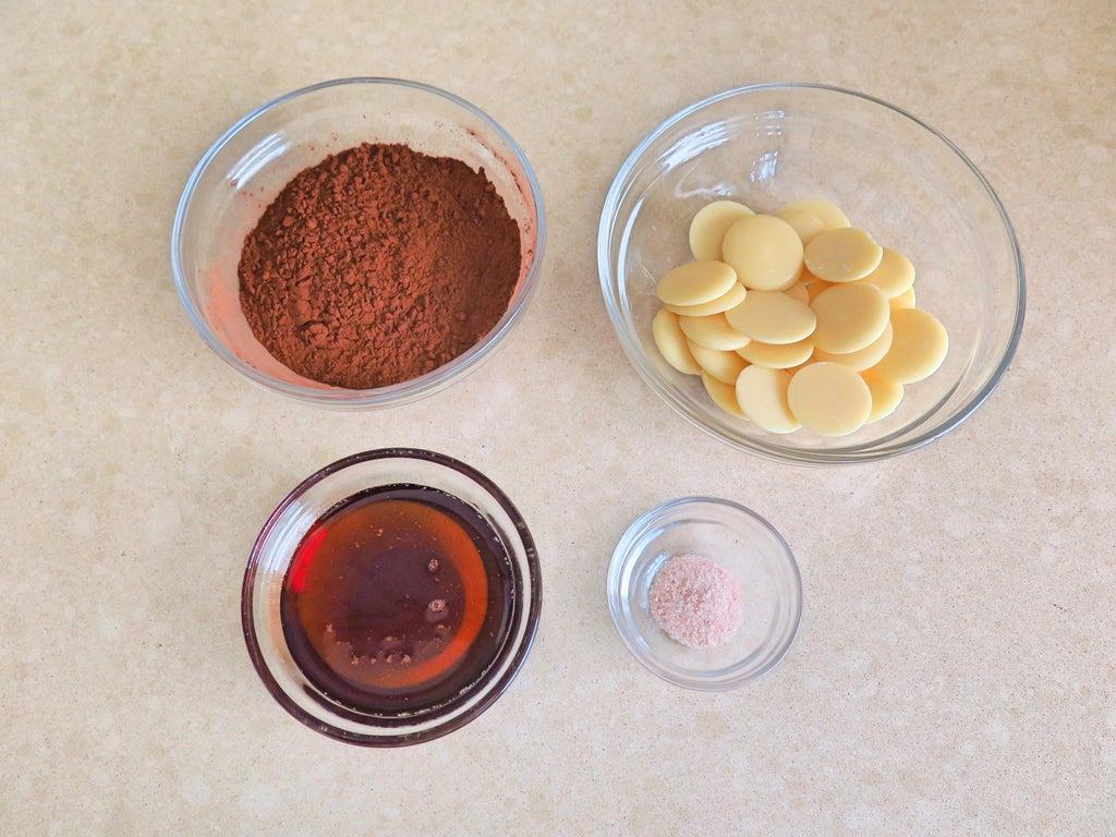 Все в нашей семье любят шоколад, и я решила удивить родных этим лакомством собственного приготовления