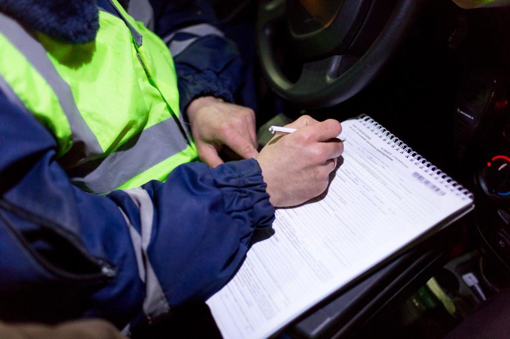 Сев в патрульную машину ГАИшника, надо говорить все правильно, иначе составленный протокол вы никак не обжалуете