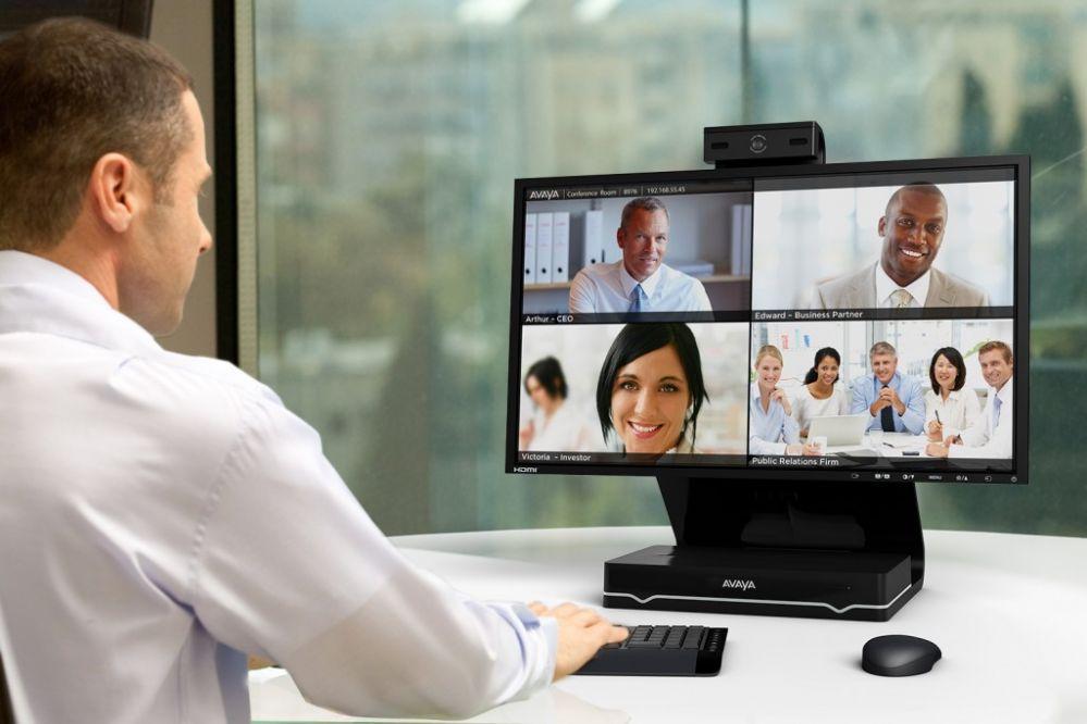 В обычном офисе легко понравиться людям, но и онлайн очаровать коллег и клиентов тоже нетрудно: несколько лайфхаков
