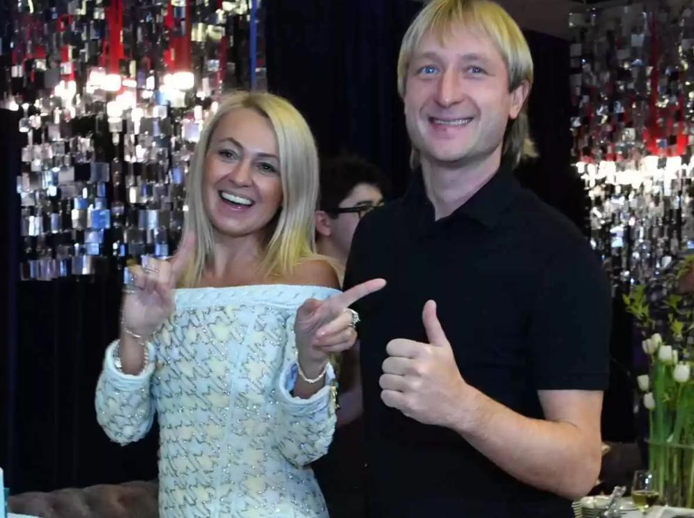 Яна Рудковская трогательно поздравила Евгения Плющенко с 38-летием