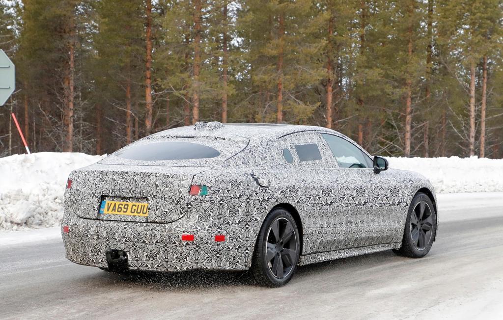 Jaguar XE и XF ждет трудное будущее: автоконцерн JLR готовит молодежный хэтчбек вместо седанов
