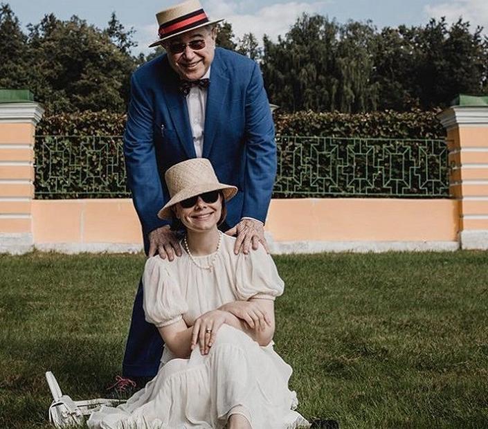 «Сплошные убытки»: Татьяна Брухунова выложила новое фото с сыном и пожаловалась на трудности материнства