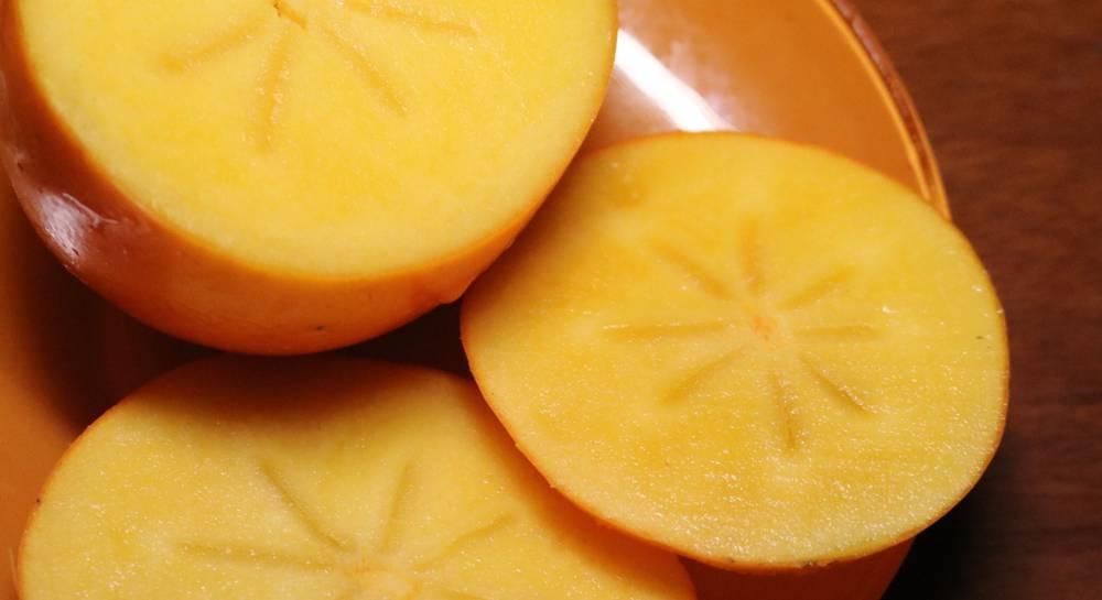 Как выбрать спелую хурму королек или шарон: чем они отличаются и как убрать вязкий вкус