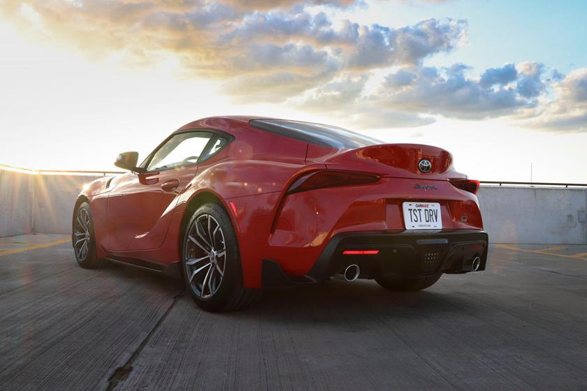 Это может стать сюрпризом для фанатов: у Toyota Supra 2021 года есть особенность - она тише модели 2020 года