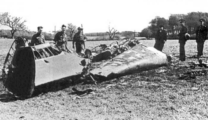 Обломки самолета Рудольфа Гесса